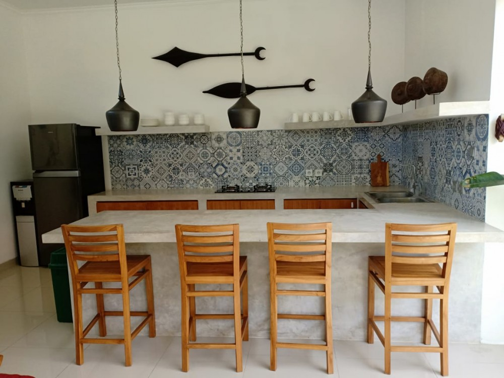 beautiful three bedroom villa in great area of batu belig seminyak