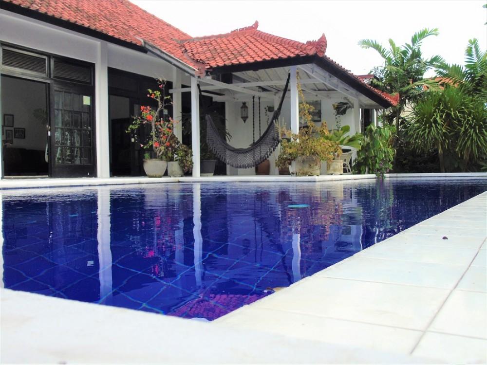Beautiful 4 Bedroom Villa In Batu Bolong