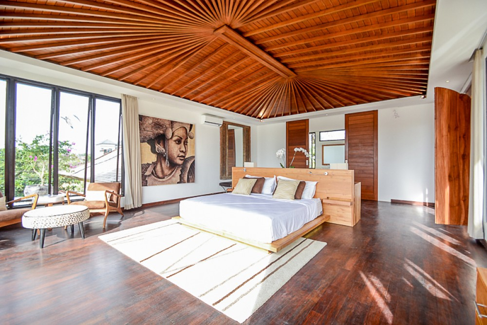 Luxurious Villa with Ocean View for Sale in Canggu