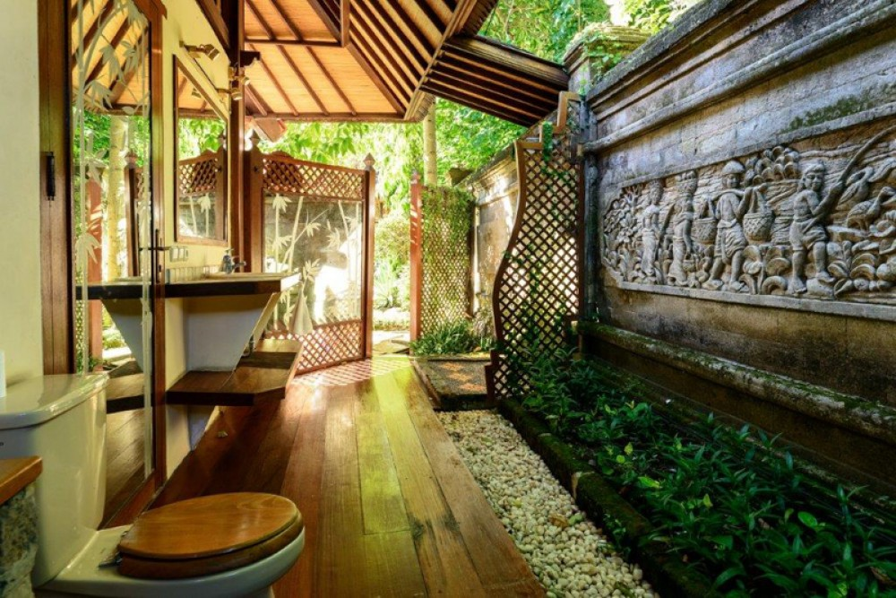 Spacious Freehold Villa for Sale in The Heart of Seminyak