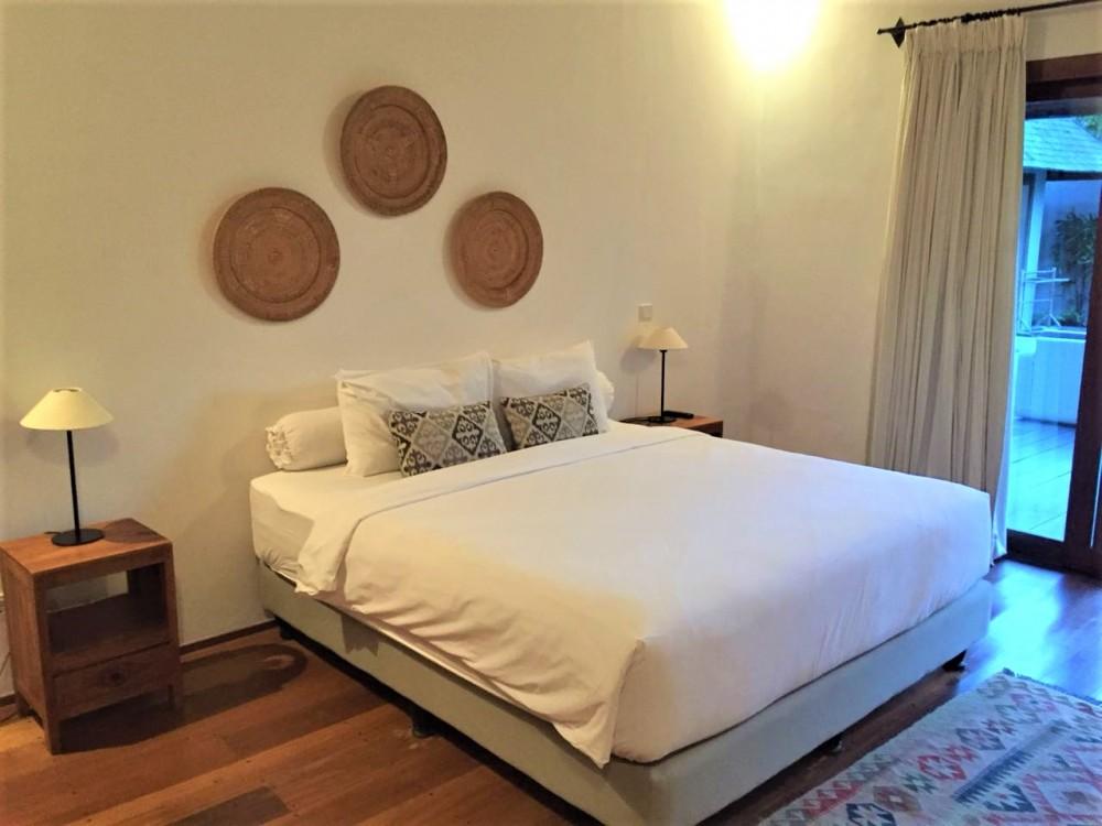 modern three bedroom villa in great area of umalas