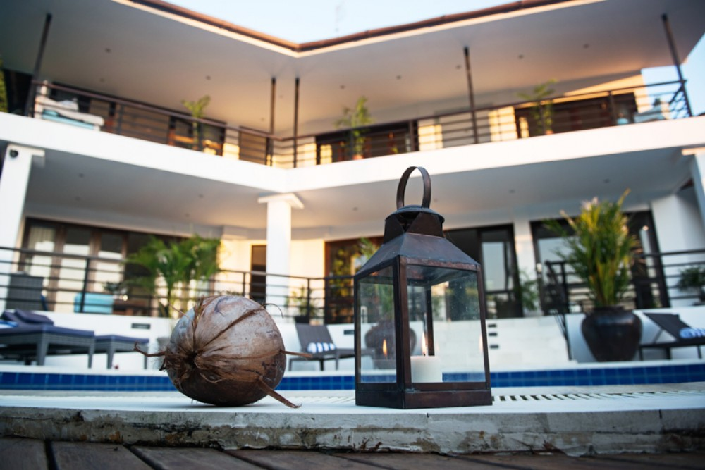 Stylish Five Bedrooms Freehold Villa for Sale in Canggu