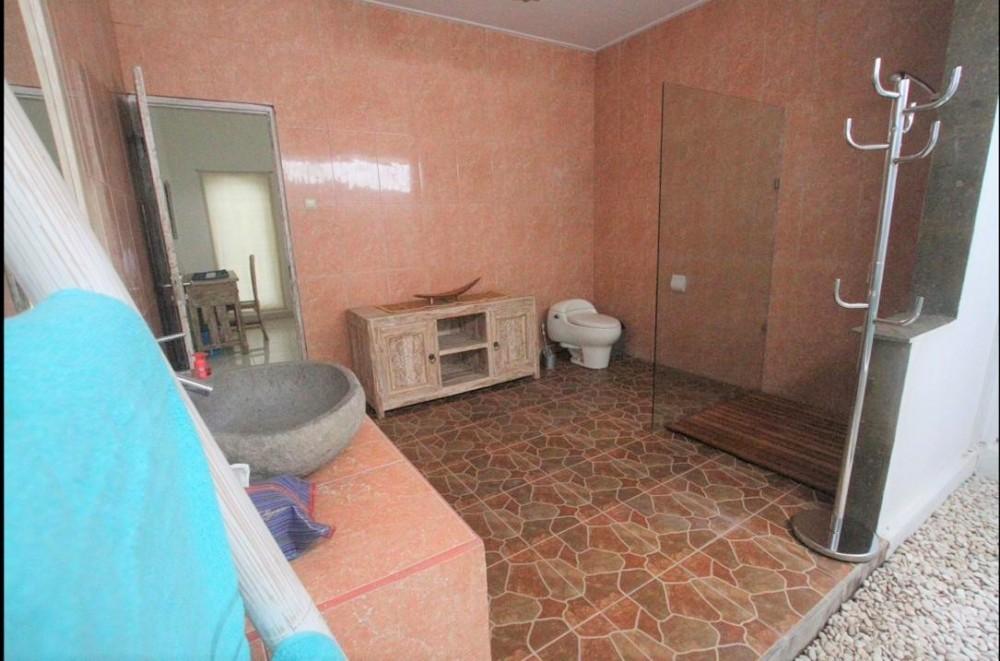 great two bedroom villa in great location of drupadi seminyak