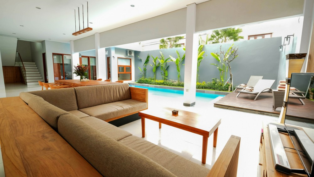 brand new three bedroom villa in center area of berawa canggu ( avfailable by request )