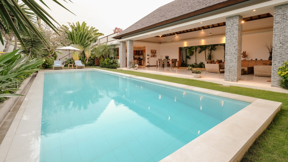 beautiful four bedroom luxury villa in canggu  ( available by request )