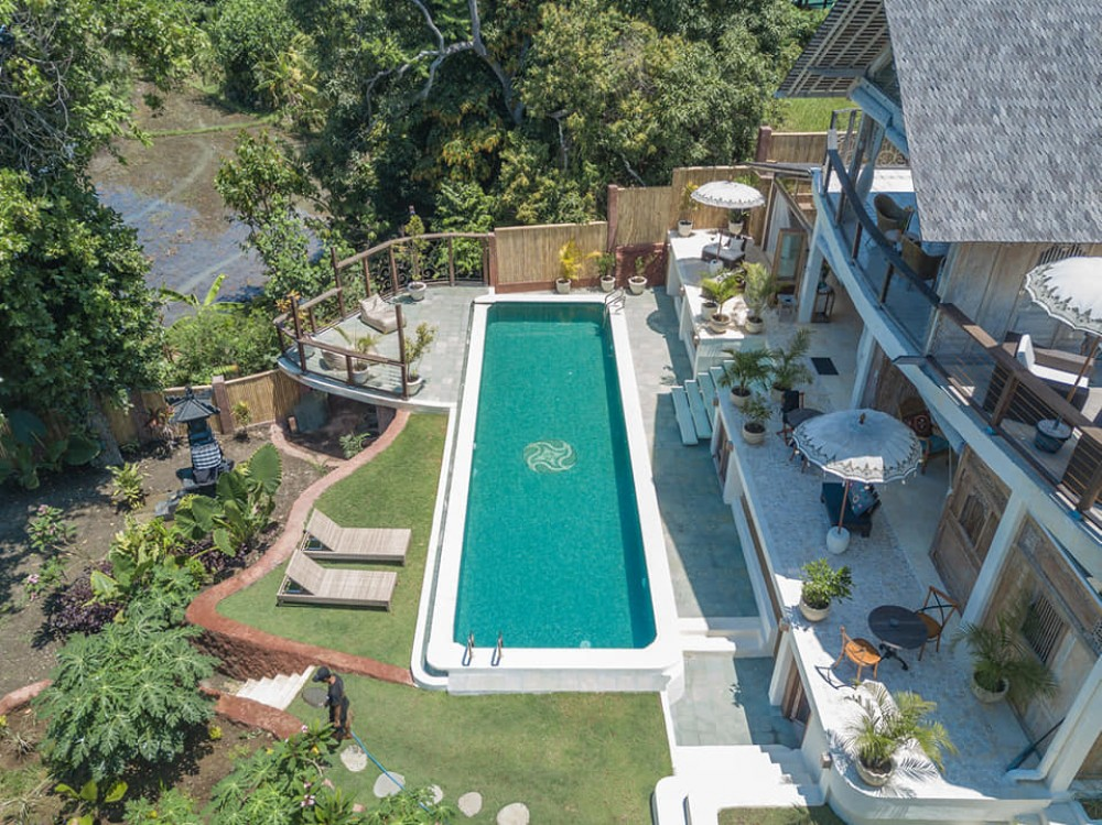 super luxurious three bedroom villa in canggu
