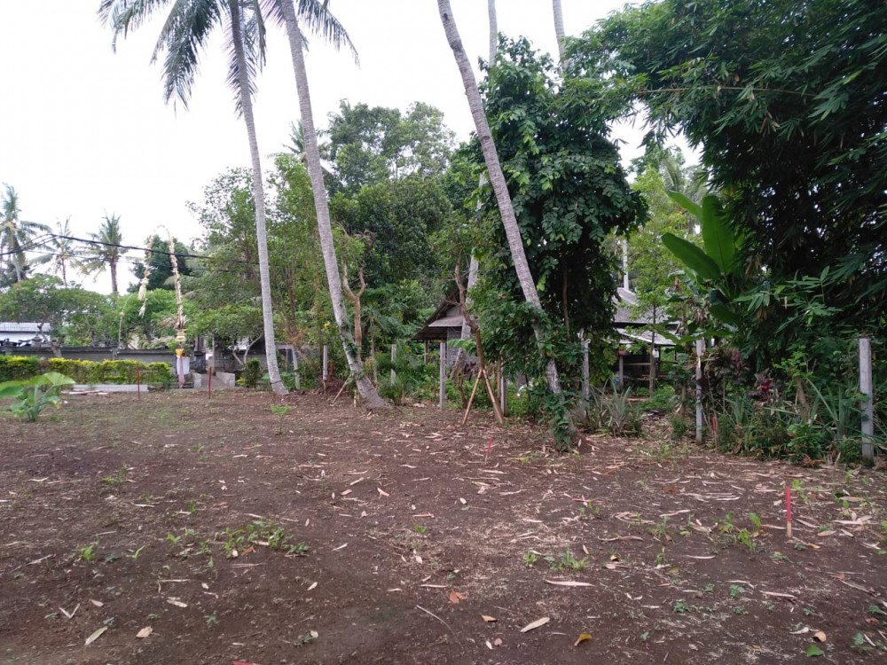 Ready to Build Leasehold Land in Kedungu 200m from the Beach