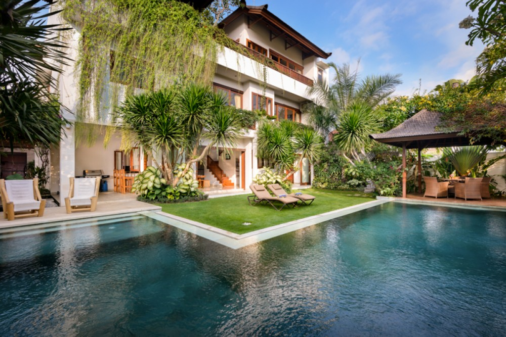 Stylish Three Level Freehold Villa for Sale in Prime Location of Canggu
