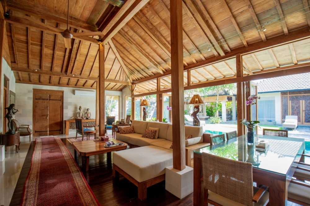 AN OASIS FREEHOLD VILLA OF PRIVACY AND TRANQUILITY