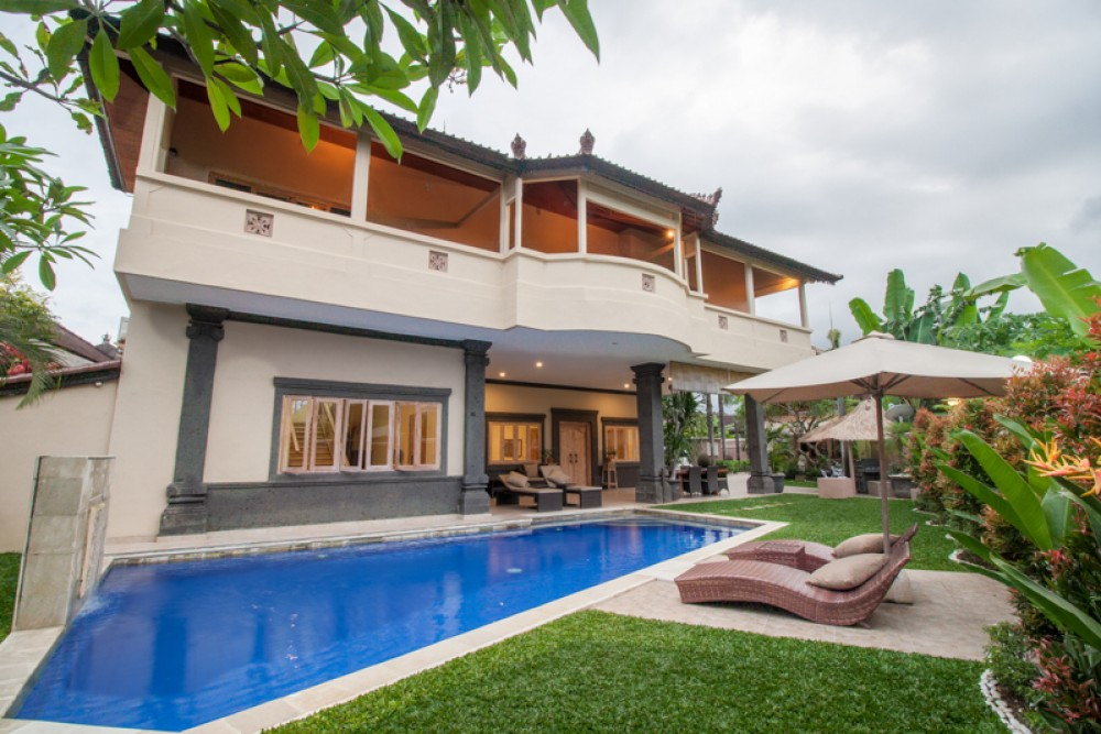 Huge family villa with amazing rice paddies view