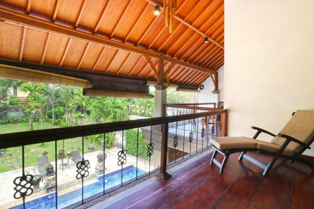 Large 3 bedrooms villa in Batu Belig