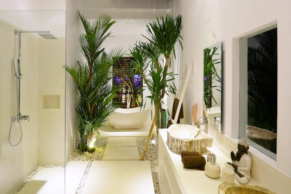 Modern Two Bedrooms Villa with Long Lease for Sale in Seminyak