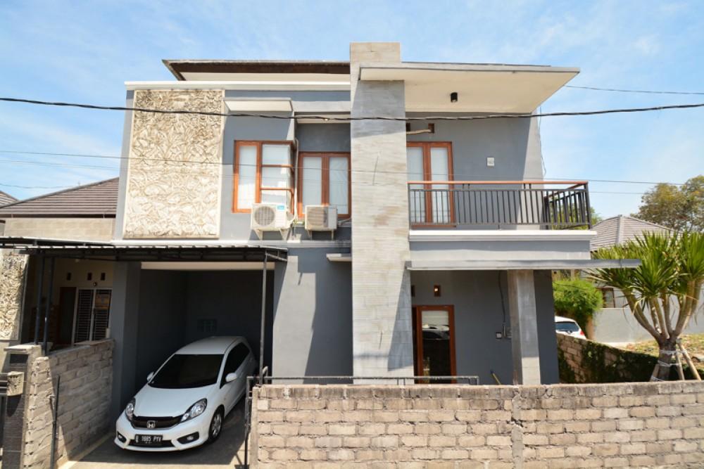 Beautiful Three Bedrooms Minimalist Villa for Sale in Jimbaran