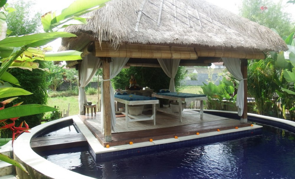 Spacious Seven Bedrooms Villa for Sale in Canggu