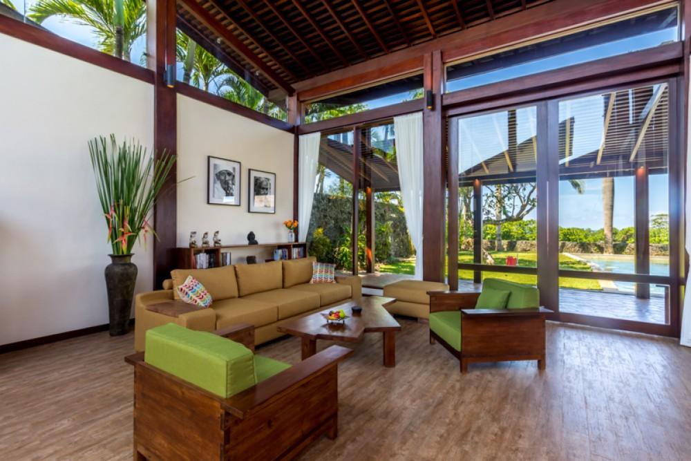 Vila Kembar Cantik dengan Pemandangan Laut Dijual di Tabanan