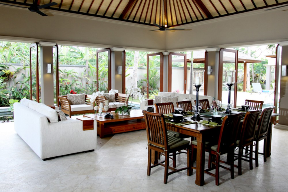 Amazing Villa with Spacious Land For Sale in Prime Location of Legian
