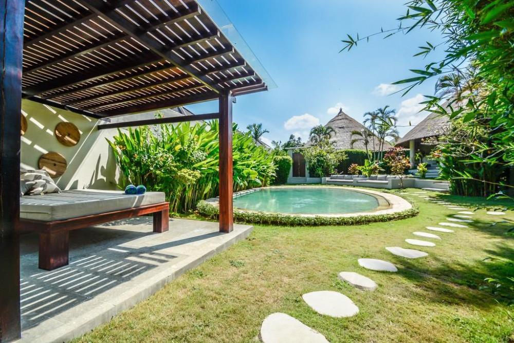 Beautiful 2 Unit 6 Bedrooms Villa at Bumbak
