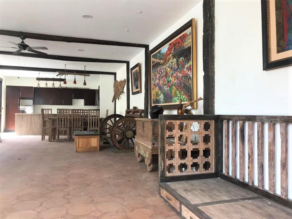 Beautiful Five Bedrooms Villa At Kerobokan