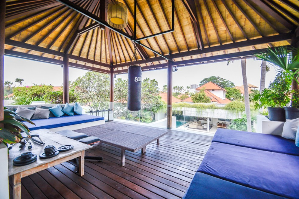 Amazing Three Bedrooms Freehold Villa for Sale in Batu Belig