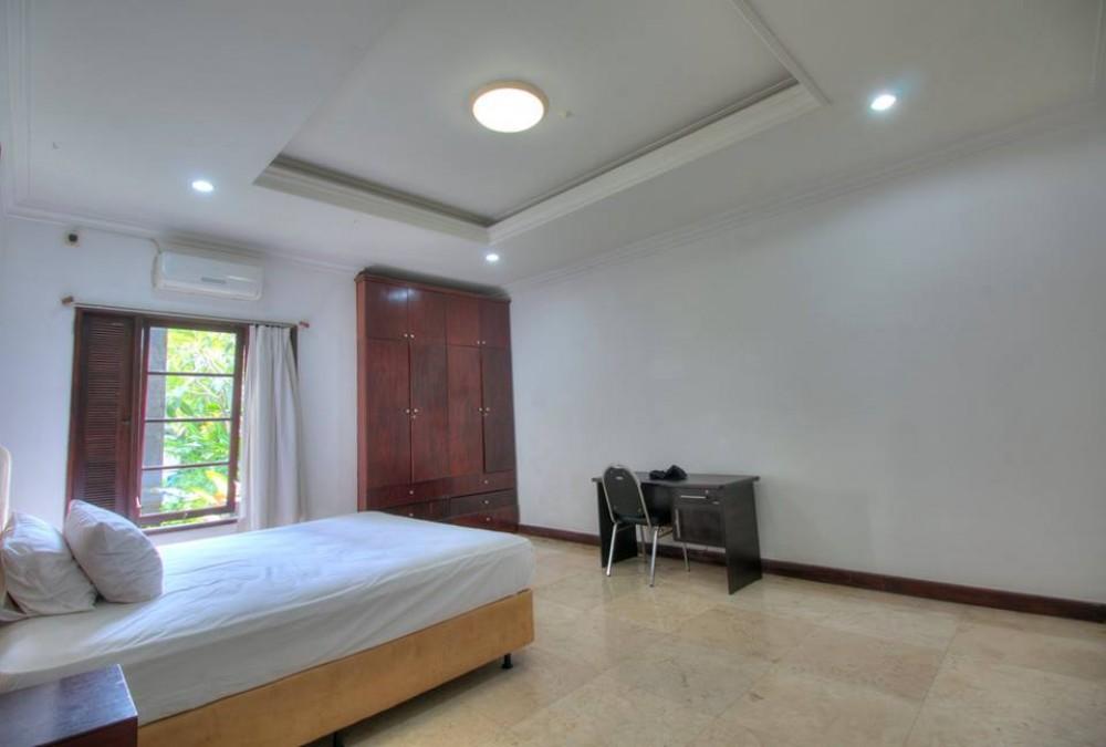 Beautiful 5 Bedrooms Villa at Kerobokan