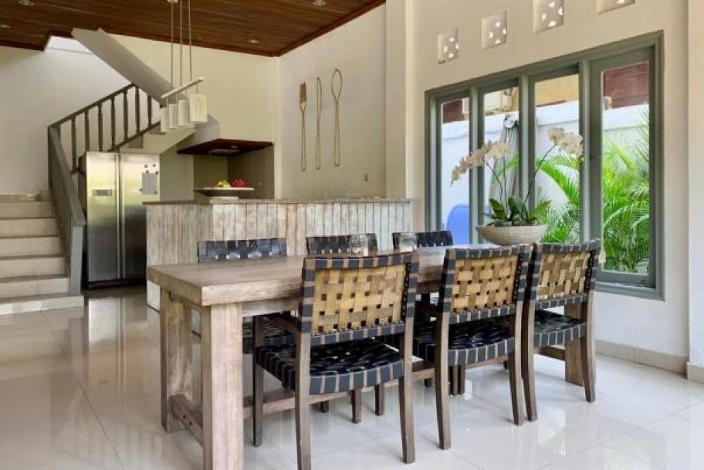 beautiful balinesse three bedroom villa in berawa canggu