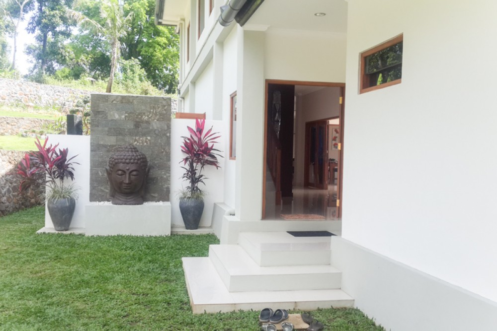 Amazing Villa with Bungalow for Sale in Lovina
