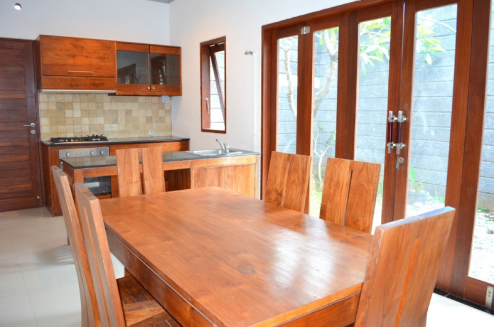 Minimalis Modern Freehold Villa dijual di Kerobokan