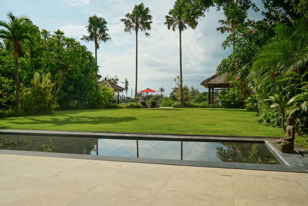 villa pantai cantik di canggu