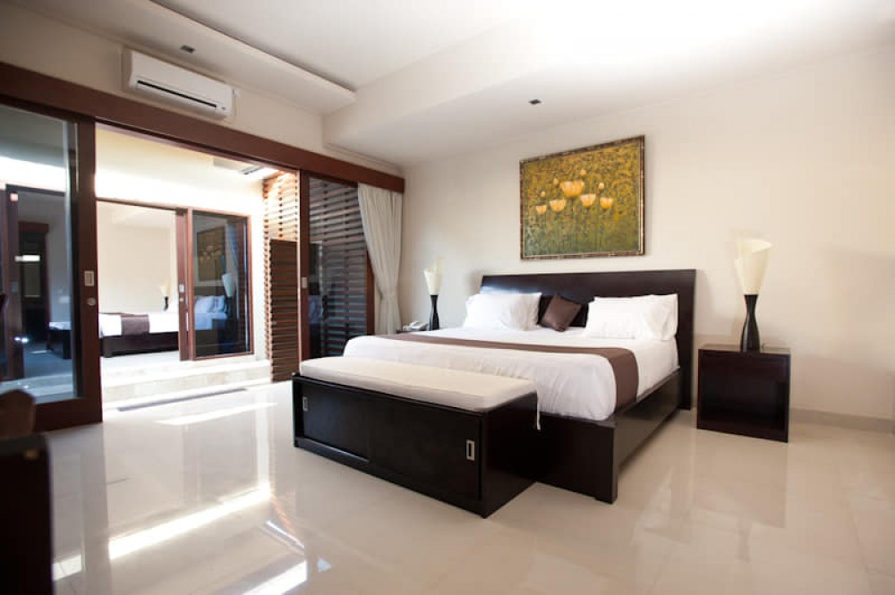beautiful two bedroom villa for living in berawa canggu ( available on may 2019 )
