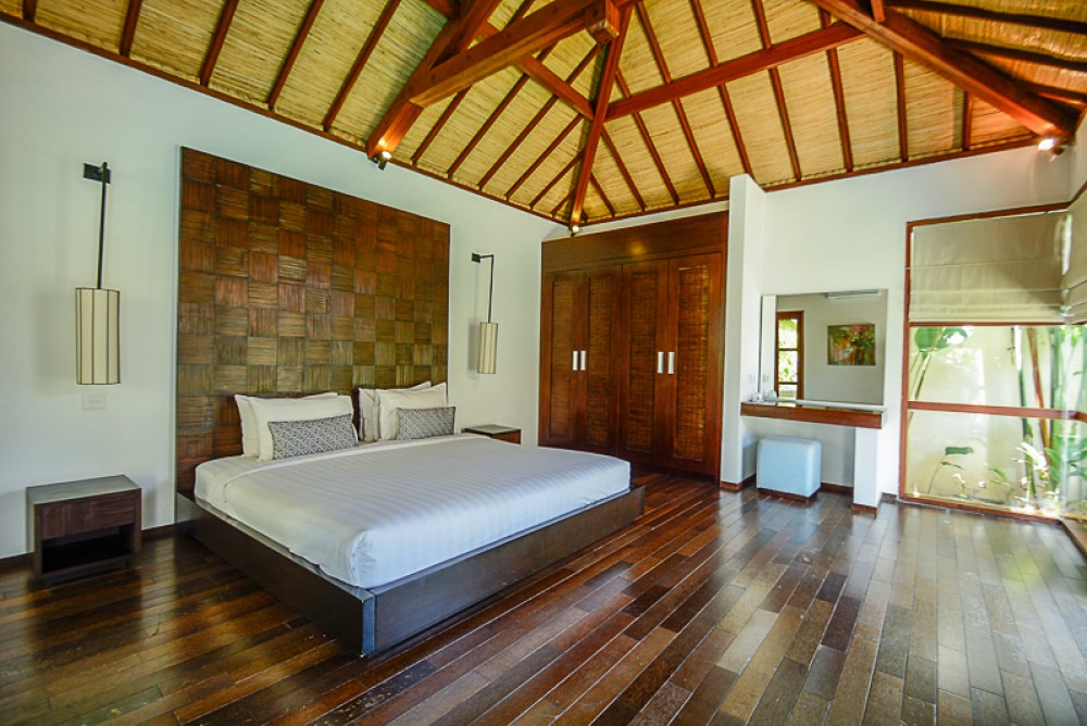 Best Value Charming Five Bedrooms Villa for Sale in Legian