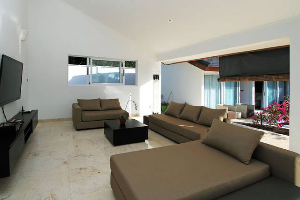 UNDER MARKET PRICE  CHIC 3 BEDROOM VILLA IN PRIME LOCATION! THE BUKIT