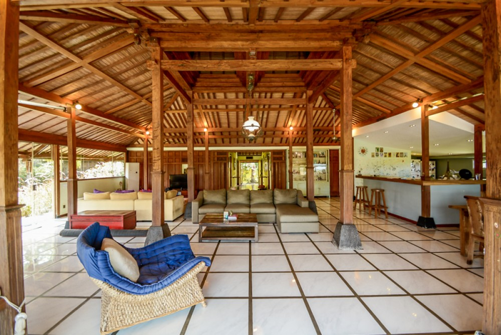 Spectacular Traditional Four Bedrooms Villa for Sale in Canggu