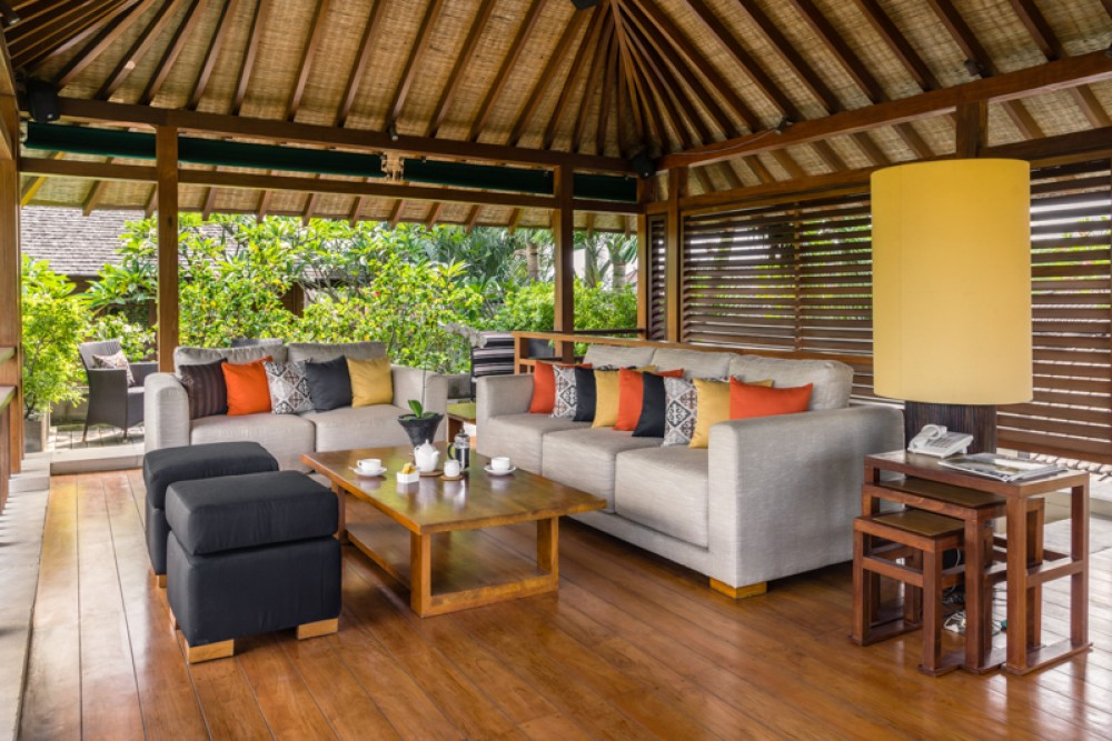 Villa Tropis Tropis Menakjubkan Dijual di Seminyak