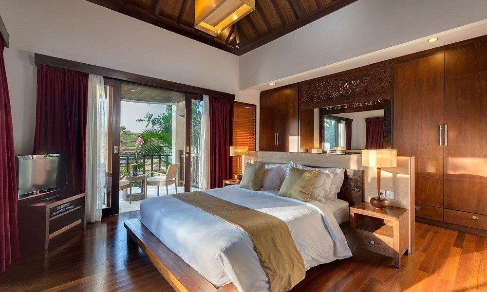 Luxury Three Bedroom Villa In Canggu