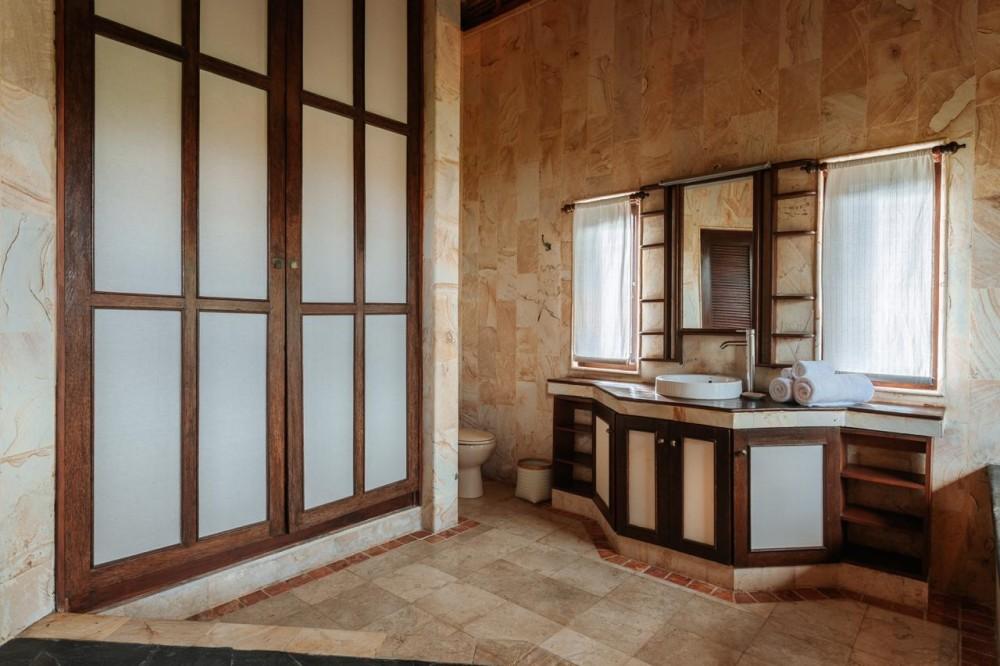 Beautiful 3 Bedroom Villa in Batu Belig for Sale