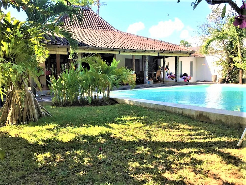 Beautiful Four Bedrooms Classy Joglo Style Villa In Umalas