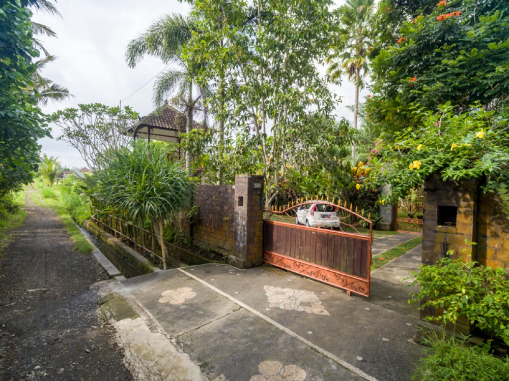 Traditional Freehold Villa with Spacious Land for Sale in Ubud