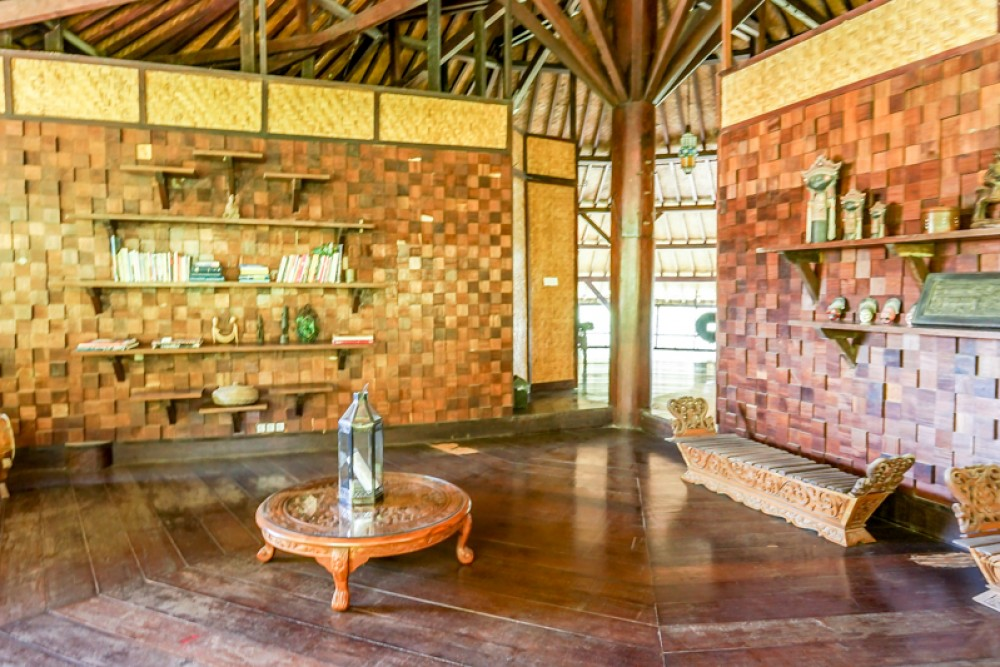 Traditional Freehold Villa with Spacious Land for Sale in Canggu