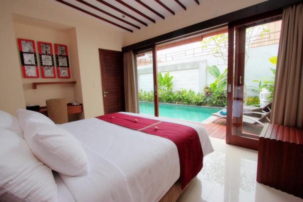 beautiful complex villa with total 6 bedroom in seminyak area
