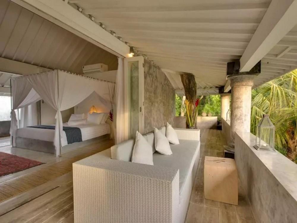 Luxury Five Bedrooms Villa In Mengwi In Front Of Beach