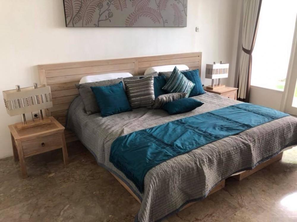 Beautiful Three Bedrooms Villa In Kerobokan  (Price For 9 Months)