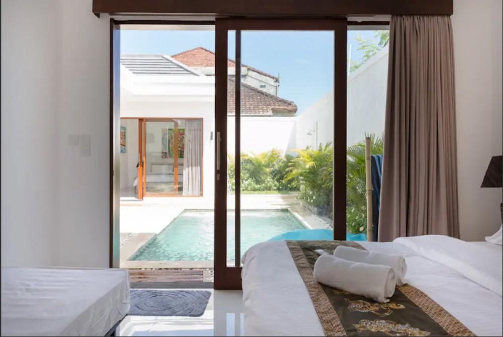 Beautiful Two Villas with Two Bedrooms per each Villa for Sale in Kerobokan