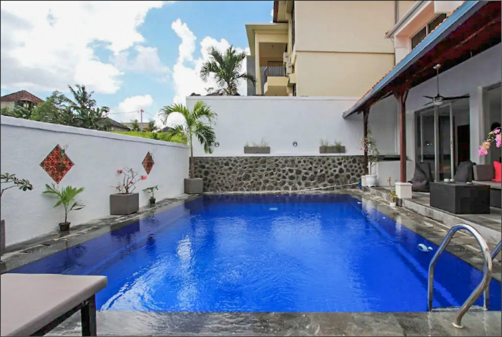 Rice Paddies View Two Bedrooms Villa for Sale in Canggu
