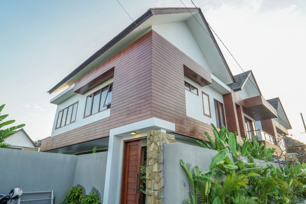 Beautiful Villa with Rice Paddies View for Sale in Canggu