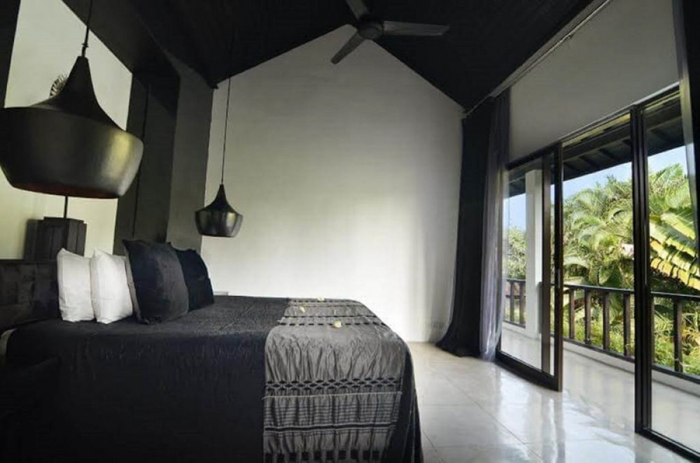 New luxury Freehold Villa for sale in Oberoi