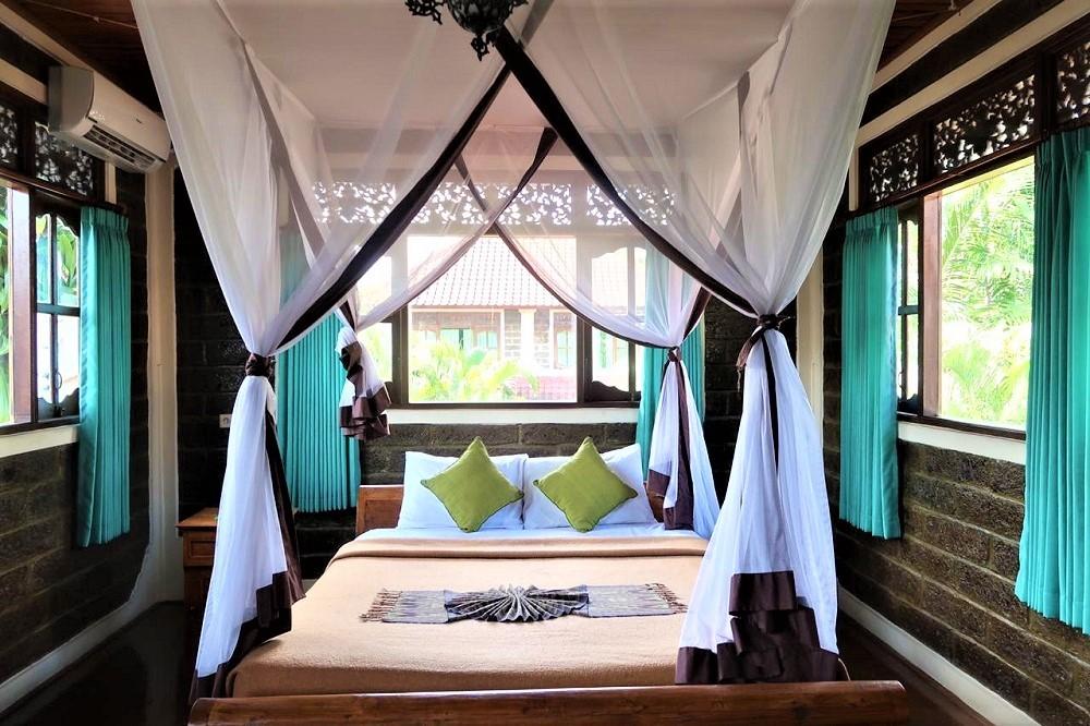 Beautiful Two Bedrooms Villa In Seminyak (Shared Pool)