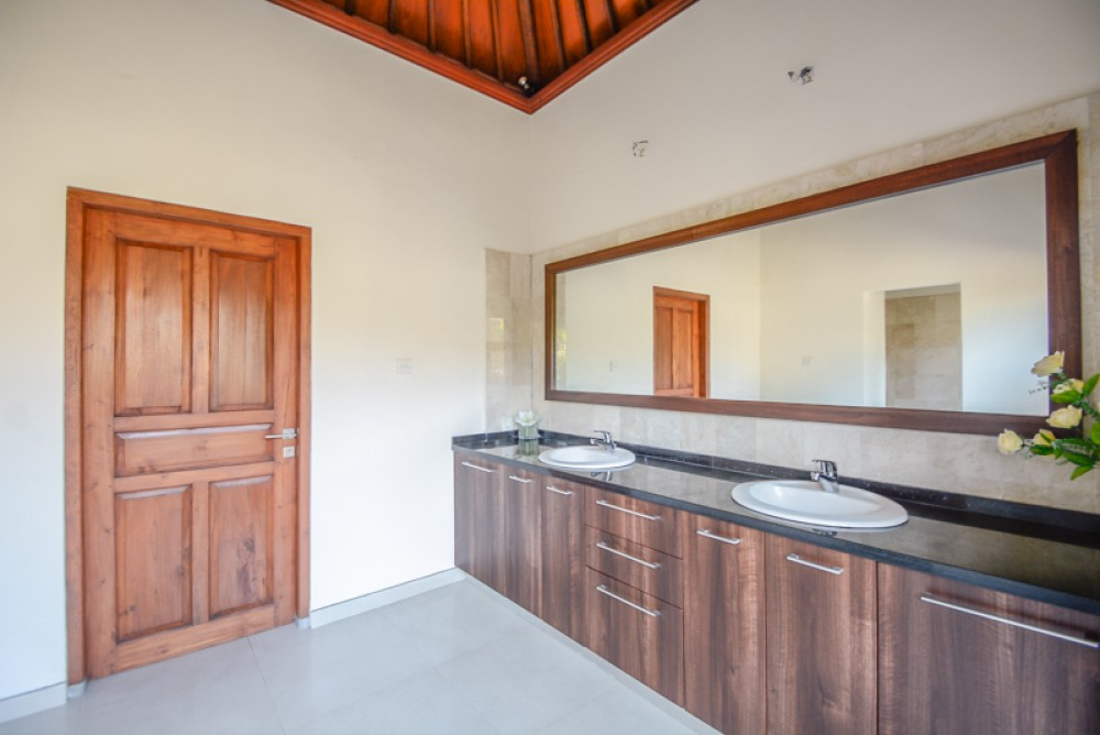 Stylish Freehold Villa For Sale in Ungasan