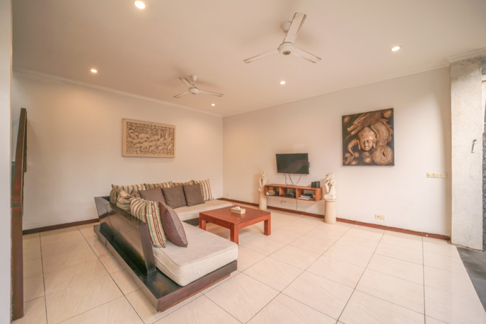 Beautiful Freehold Three Bedrooms Villa for Sale in Echo Beach