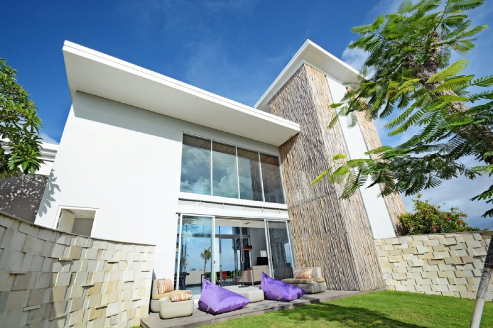 Luxury Modern Villa for Sale with Spacious Land for Sale in Balangan
