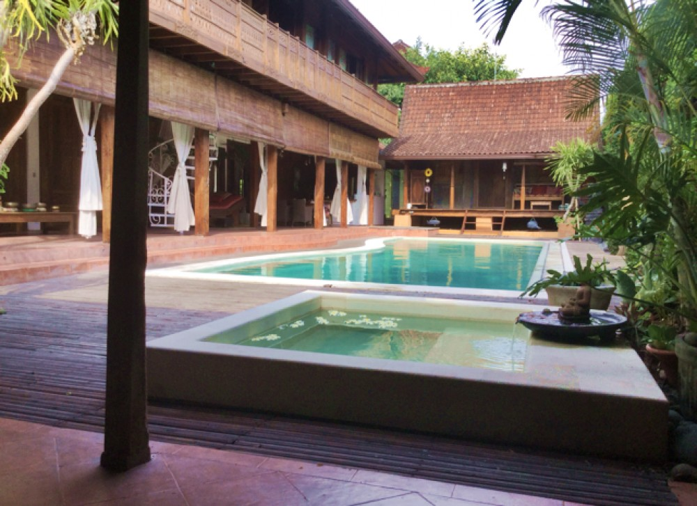 Seminyak Traditional Leasehold Luxury Villa for Sale